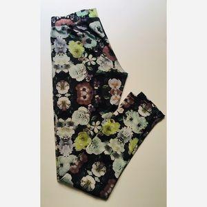EUC H&M Floral Satin Legging S